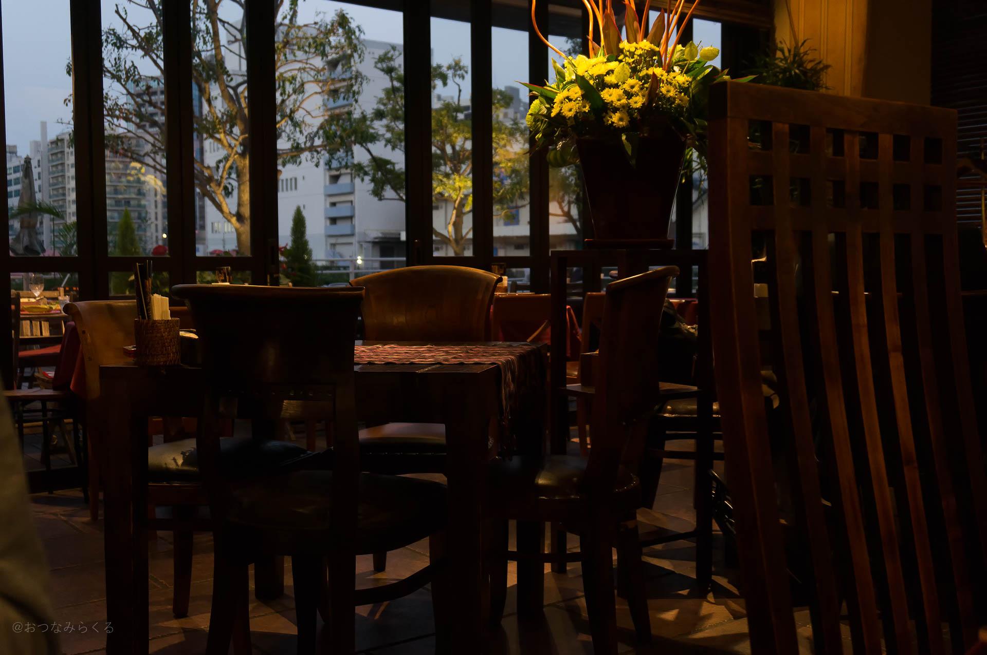 奥様の街でカフェ